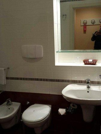 Barion Hotel & Congressi: il bagno