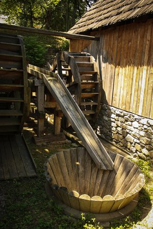 Village Museum (Muzeul Satului): Washing machine contracption
