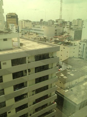 Hampton Inn by Hilton Guayaquil-Downtown : Uninspiring view from hotel room