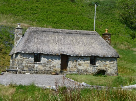 Mary's Cottages: Thatched cottage