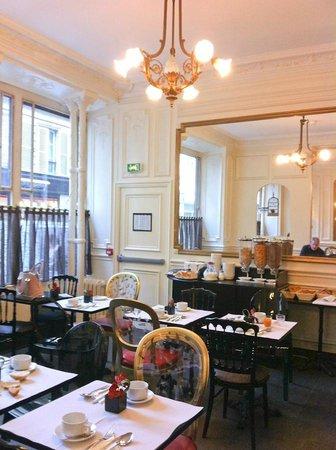 Hotel Peyris Opera: Breakfast Dining Room