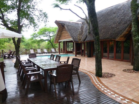 Thula Thula Exclusive Private Game Reserve and Safari Lodge: The pool outside the dining room