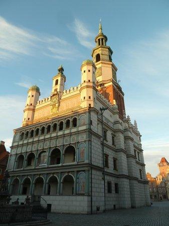 Old Market Square : Тоуен холл