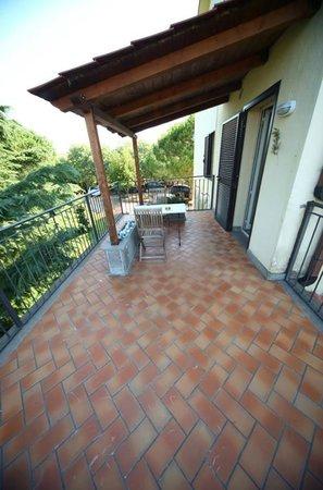 Dolce Grappolo Terme: un ingresso lato giardino