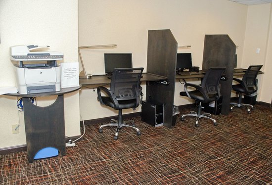 BEST WESTERN PLUS West I-64: 24 Hour Business Center with 3 work stations
