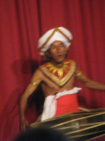 Cinnamon Citadel Kandy: une spécialité de Kandy les danses folkloriques