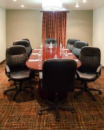 Best Western Plus West I-64: Board Room