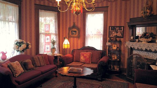 Weston Bed & Breakfast: Our Parlor