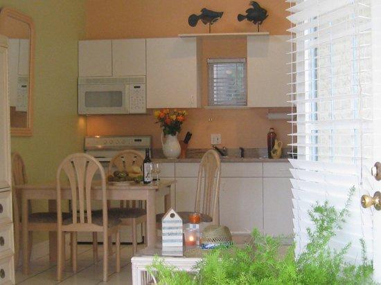 AG Casa Marina Beach Resort : Unit 2 Kitchen