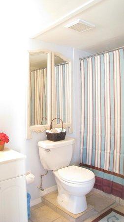 AG Casa Marina Beach Resort : Unit 3 bathroom