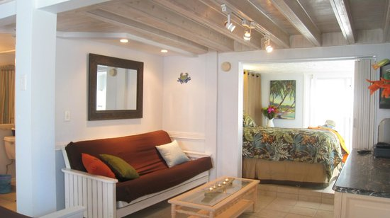 AG Casa Marina Beach Resort: Unit 1 living area