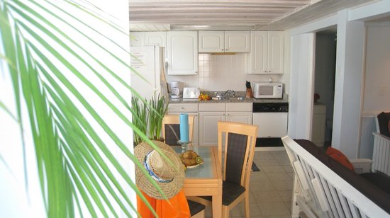 AG Casa Marina Beach Resort: Unit 3 Kitchen