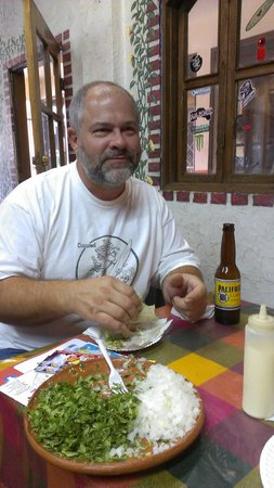 Taqueria Mexico Lindo : A snack of fish tacos.