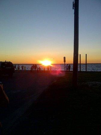 Canalside Inn: Beautiful Sunsets