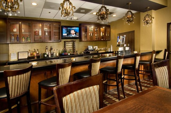 Clarion Inn Historic Leesburg: Daily Happy Hour 5-7