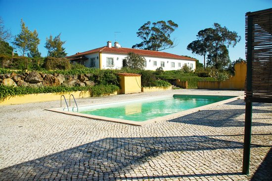 QUINTA DA TORRE: The Pool ant the House