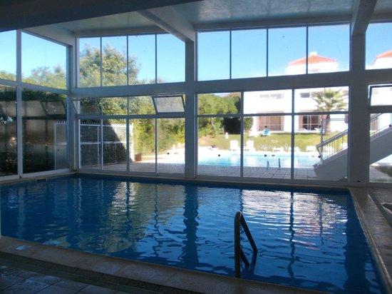 Pateo Village Apartments : Indoor pool