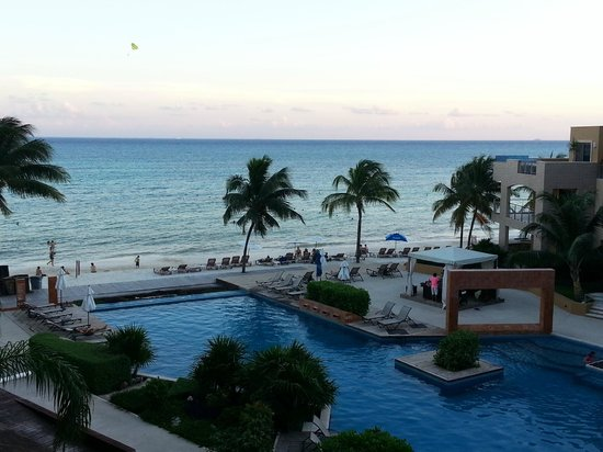 Sun and Sea Rentals : The view from our balcony - El Faro