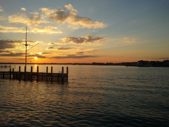 The Bentley Inn : Sunset over the Barnegat, two blocks from the Bentley