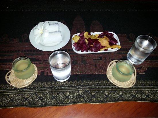 Gloria Angkor Hotel: The Welcome Drinks