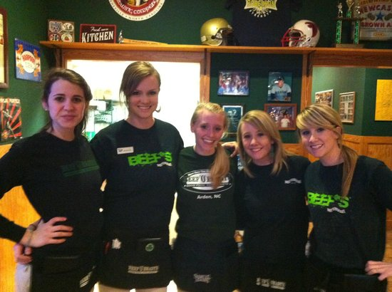 Beef 'O' Brady's: Friendly Servers