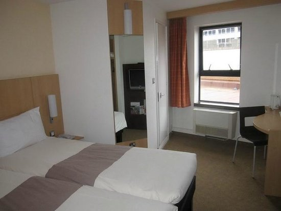 Hotel ibis Birmingham Centre New Street: The room