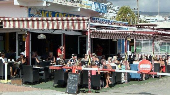 Waikiki : Restaurant Outside Seating