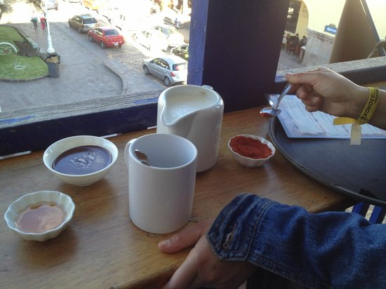 ChocoMuseo: Assembling the hot chocolate