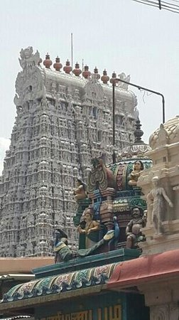 east side of thiruchendur temple kopuram