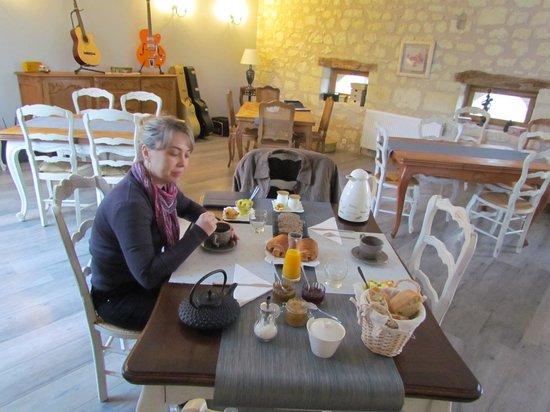 Les Roches à Renards : café da manhã completo..