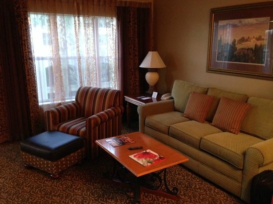 Hilton Grand Vacations at Tuscany Village: Living room, room 3312