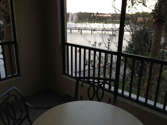 Hilton Grand Vacations at Tuscany Village: Screened in patio, Room 3312
