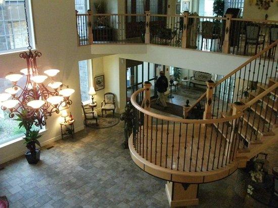 Best Western Plus Edmundston Hotel : Grand hall d'entrée
