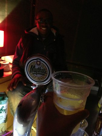 Athens Backpackers : Mythos beer with the awesome bartender