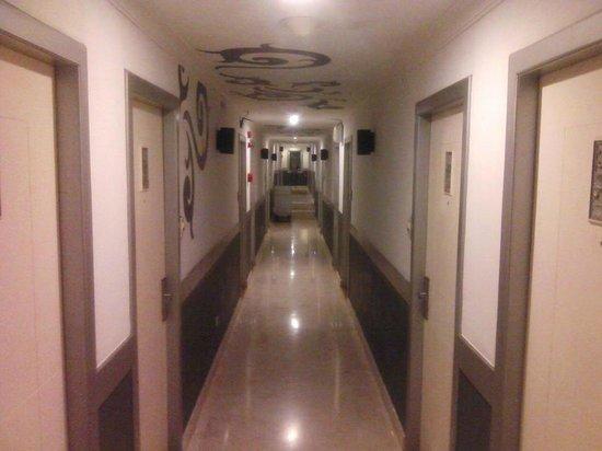 J Boutique Hotel : Hotel Corridor 3rd Floor