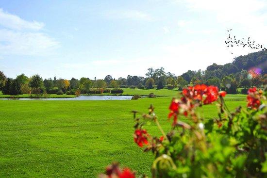 H U00f4tel Golf Ch U00e2teau De Chailly  Chailly