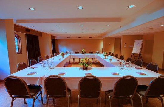 Banff Caribou Lodge & Spa: Woodlands Meeting Room