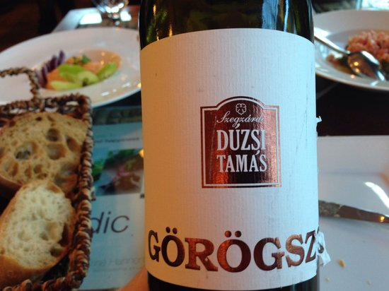 Vendéglő a KisBíróhoz: Excellent wine...;)