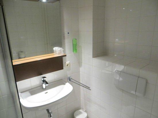 Conferentiehotel Kontakt der Kontinenten : bathroom