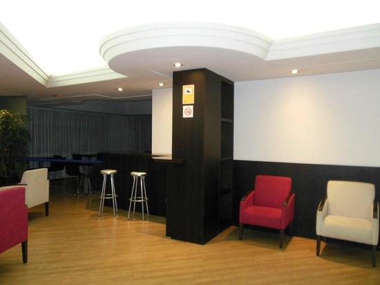 Acta Antibes: sala relax