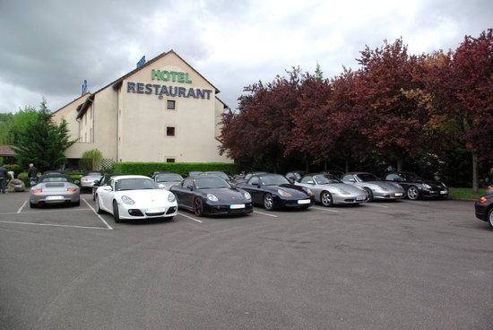 Comfort Hotel Beaune : parking