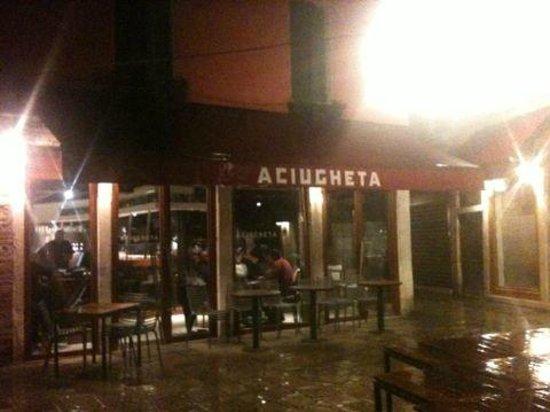 Aciugheta: Entrada do restaurante