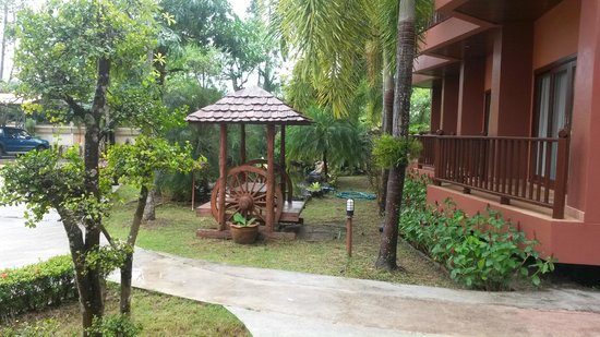 Andamanee Boutique Resort: Hotel grounds