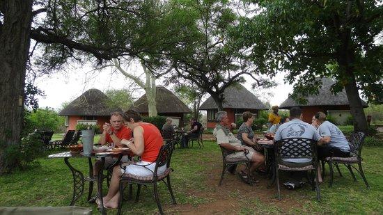 Mohlabetsi Safari Lodge: repas du midi