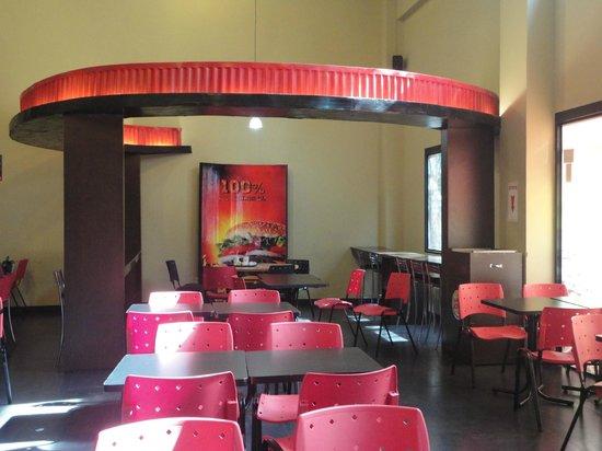 Burger King: Amplio salón