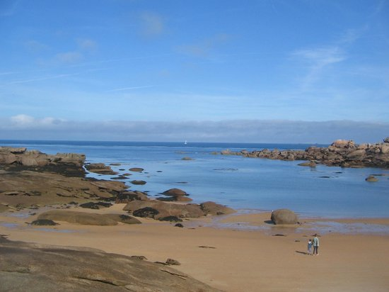 Cote de Granit Rose : Anotherpicture of the beach in Tregastel, Brittany