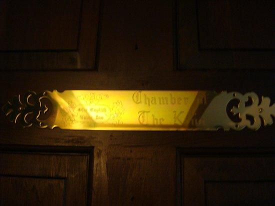 Tudor Inn Gatlinburg : Our room -Chamber of the King.