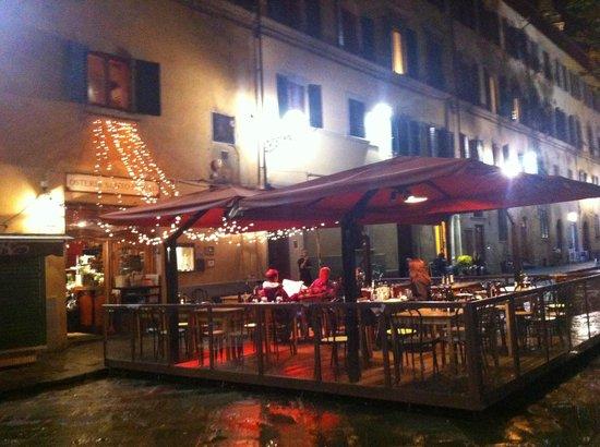 Ristorante Santa Felicita: Entrada e mesas externas