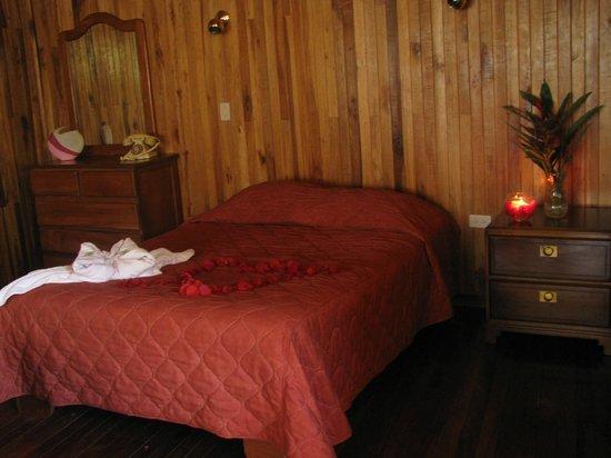 Hotel Jardines de Monteverde : habitacion luna de miel