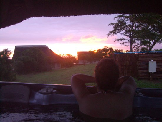 Jbay Zebra Lodge: Sunset im Jacuzzi